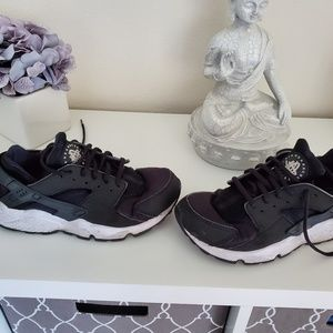 Nike huarache woman's